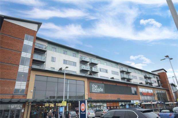 2 Bedrooms Apartment Flat for sale in Queensmead, Farnborough, Hampshire