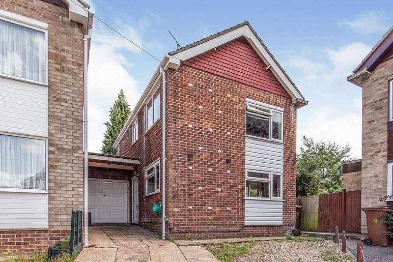 3 Bedrooms Link Detached House for sale in Mayfield Close, Rainham, Kent, ME8