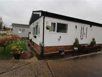 2 Bedrooms Mobile Home for sale in Arkley Park,Barnet Gate Lane,Barnet