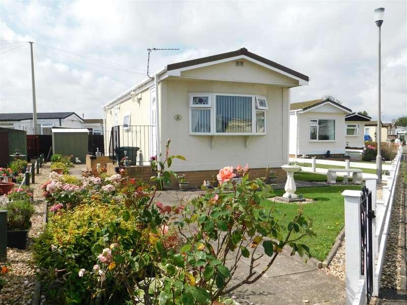 1 Bedroom Park Home Mobile Home for sale in Sunnyside Park, Sea Lane, Ingoldmells, Skegness, PE25 1SA