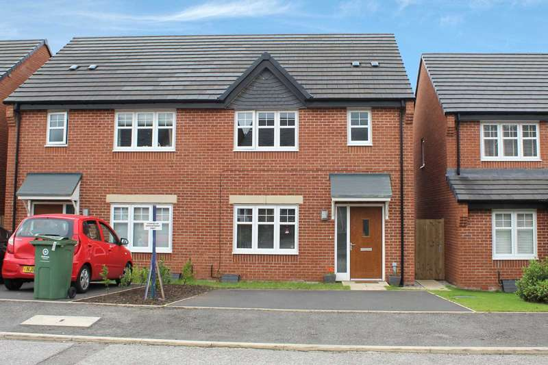 3 Bedrooms Semi Detached House for sale in High Vale Close, Oldham