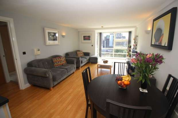 2 Bedrooms Apartment Flat for sale in W3, 51 Whitworth Street West, Manchester, M1