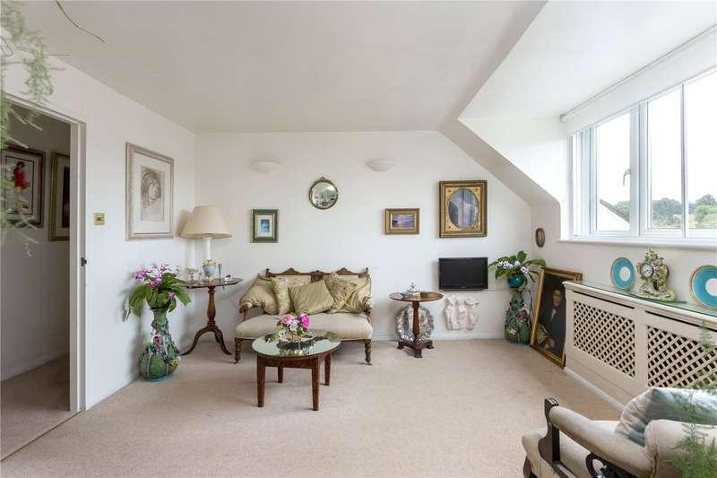 2 Bedrooms Apartment Flat for sale in Marlborough Court, Croydon Road, Westerham, TN16