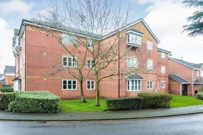 2 Bedrooms Flat for sale in Greenbriar Close, Blackpool, Lancashire, FY3