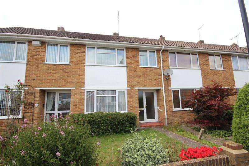 3 Bedrooms Terraced House for sale in Christchurch Road, Ringwood, Hampshire, BH24