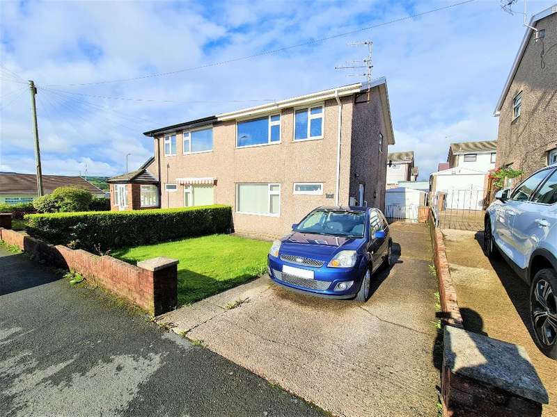 3 Bedrooms Detached House for sale in Pen Deri Close, Oakdale, Blackwood, NP12 0NJ