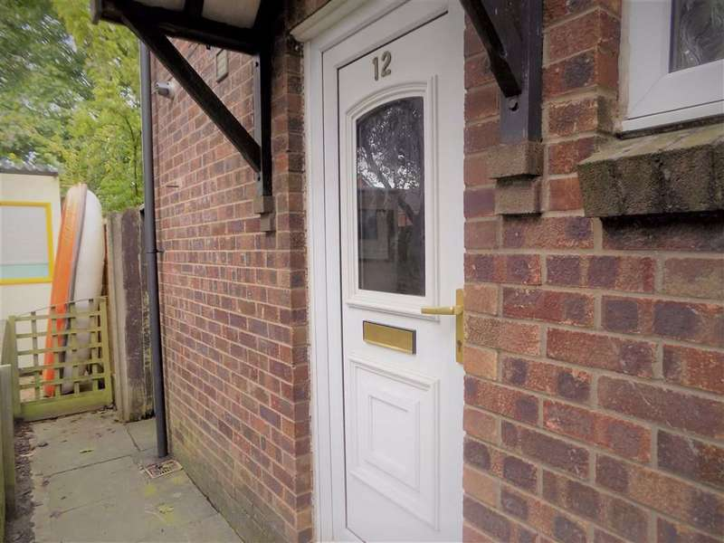 1 Bedroom Terraced House for sale in Hoskins Close, Manchester