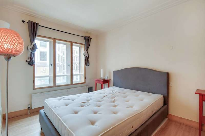 1 Bedroom Flat for sale in St Martins Lane, Covent Garden, WC2H