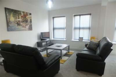 2 Bedrooms Flat for rent in Westhaven Road, Sutton Coldfield. B72 1TT