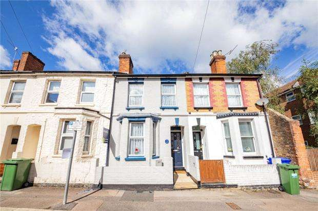 3 Bedrooms Terraced House for sale in Cavendish Road, Aldershot, Hampshire