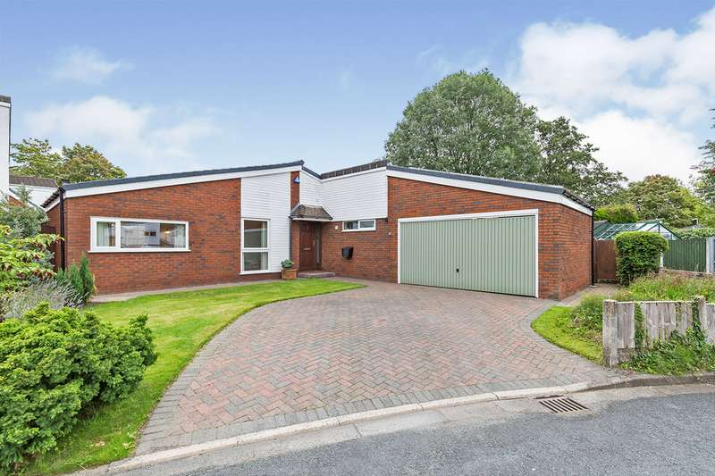3 Bedrooms Bungalow for sale in The Farthings, Chorley, Lancashire, PR7