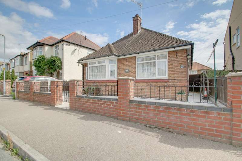 2 Bedrooms Detached Bungalow for sale in Astley Road, Clacton-On-Sea