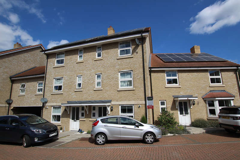 4 Bedrooms Terraced House for sale in Browning Close, Royston