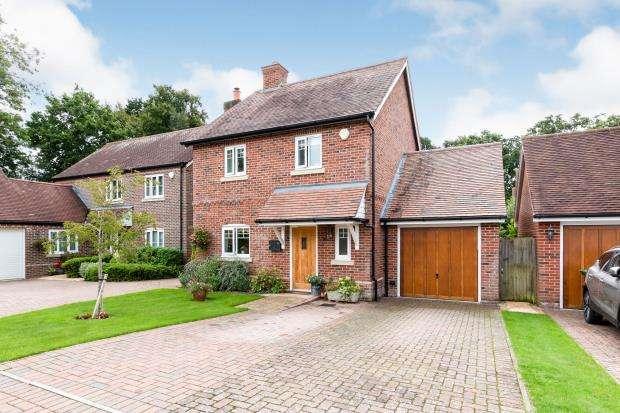3 Bedrooms Detached House for sale in Baughurst, Tadley, Hampshire