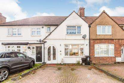3 Bedrooms Terraced House for sale in Leggatts Way, Watford, Hertfordshire