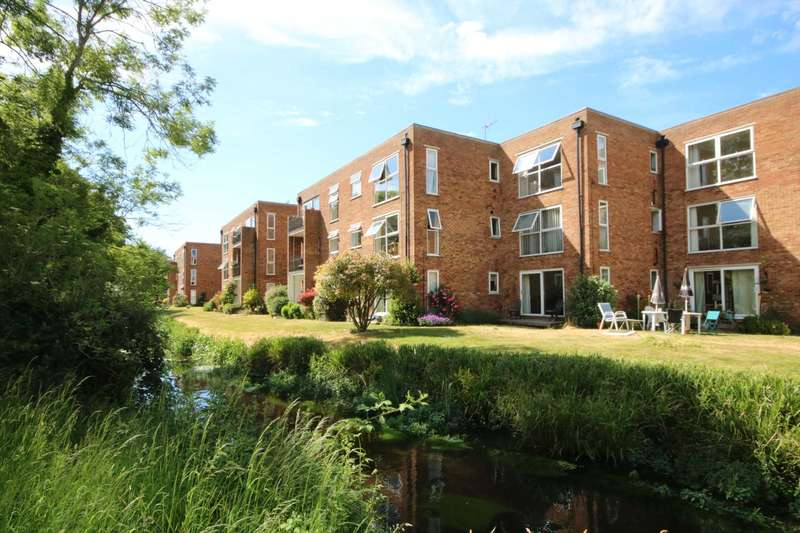 2 Bedrooms Apartment Flat for sale in River Park, Boxmoor