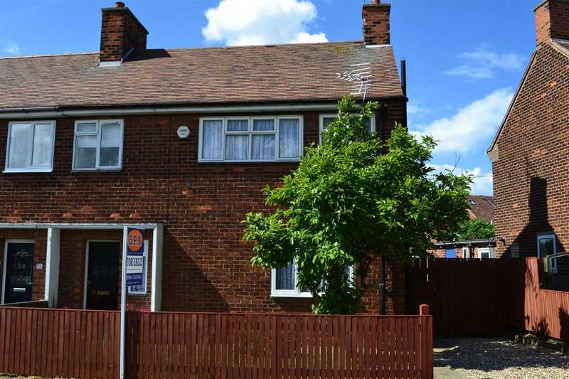 3 Bedrooms Semi Detached House for rent in The Crescent, HORNSEA