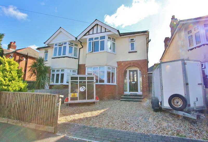 3 Bedrooms Semi Detached House for sale in Meadowmead Avenue, Regents Park, Southampton