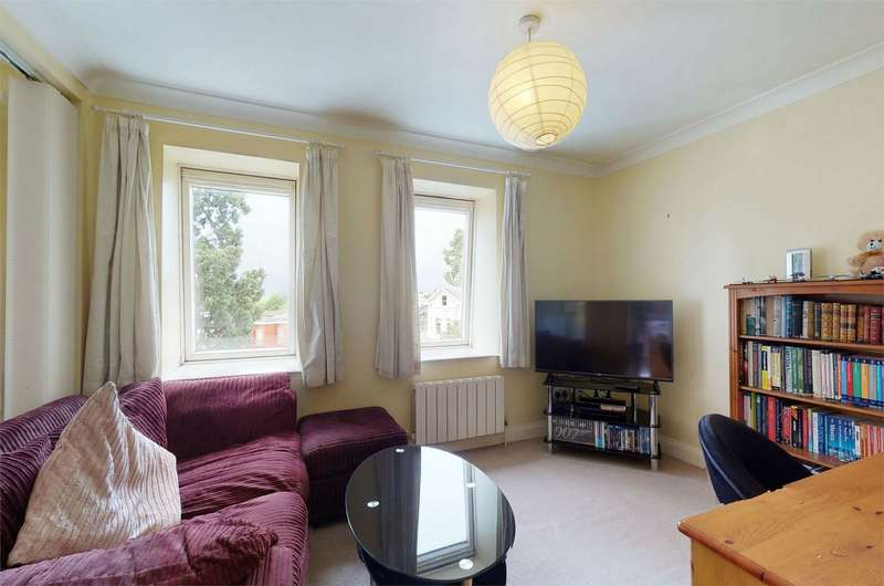 1 Bedroom Flat for sale in The Park, Cheltenham, Gloucestershire