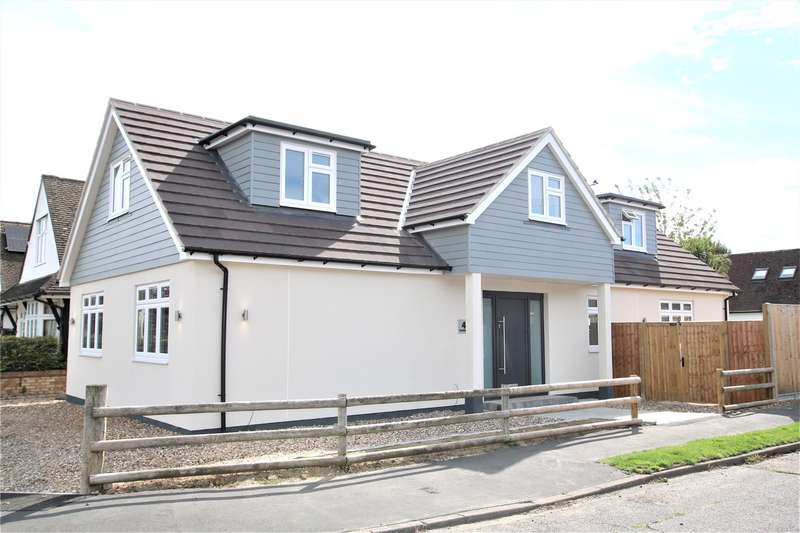 4 Bedrooms Detached House for sale in Dickens Drive, Rowtown, Surrey, KT15