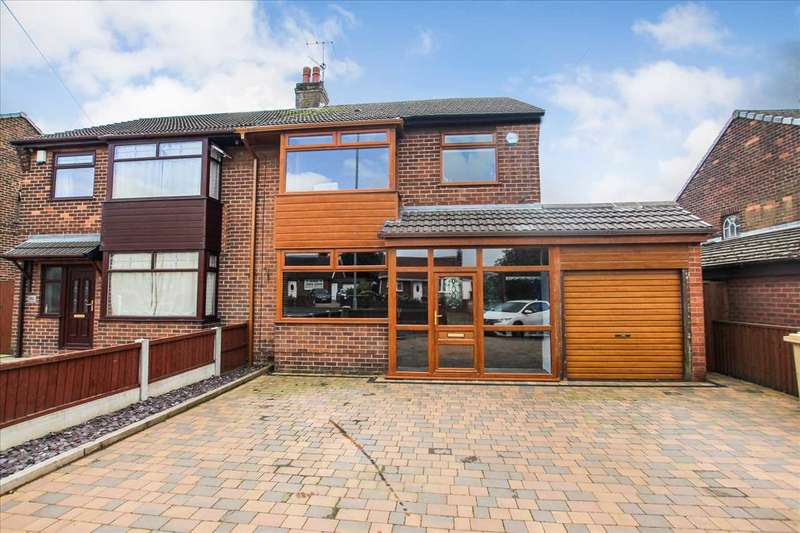 3 Bedrooms Semi Detached House for sale in Park Road, Westhoughton