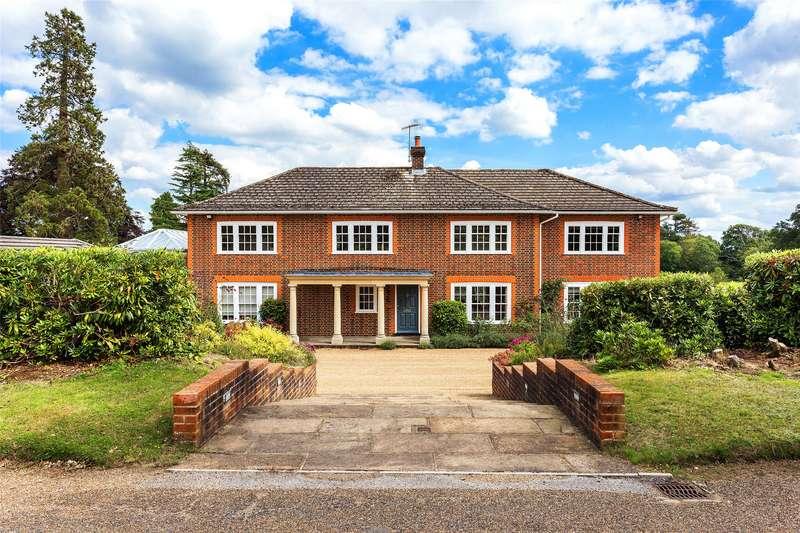 5 Bedrooms Detached House for sale in Moorhurst Lane, Holmwood, Dorking, Surrey, RH5