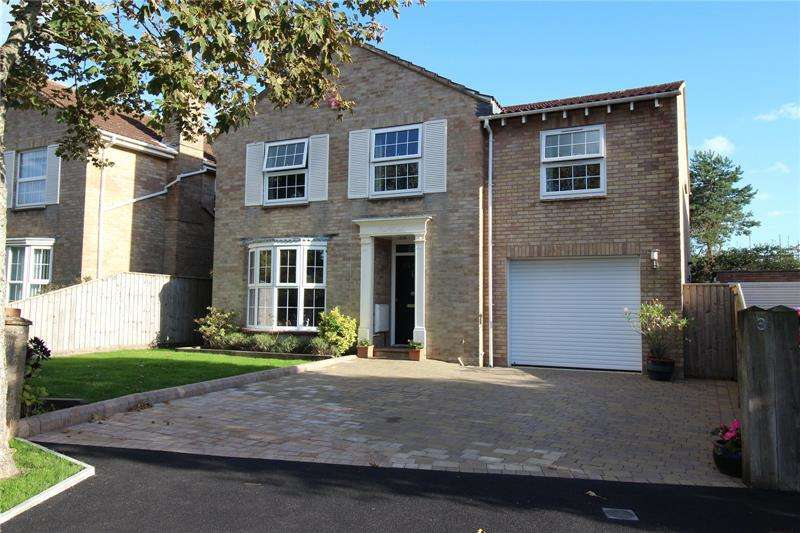 5 Bedrooms Detached House for sale in Chaucer Drive, Milford on Sea, Lymington, Hampshire, SO41
