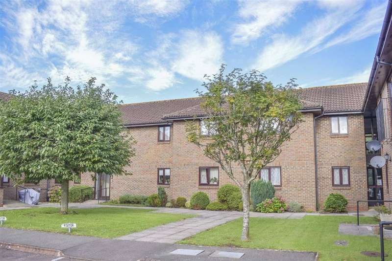 2 Bedrooms Property for sale in Orchard Court, Stonehouse, GL10