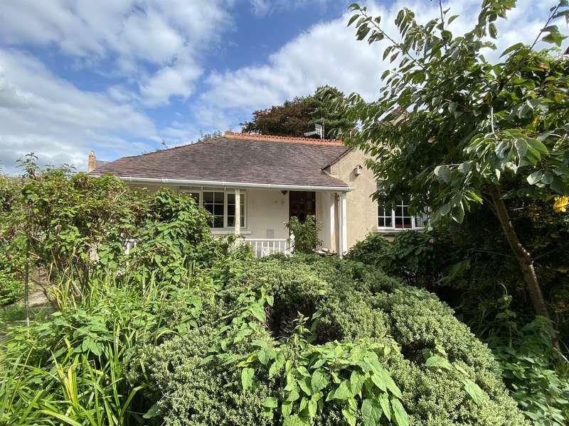 2 Bedrooms Detached Bungalow for sale in London Road, Stroud, GL5 2AH