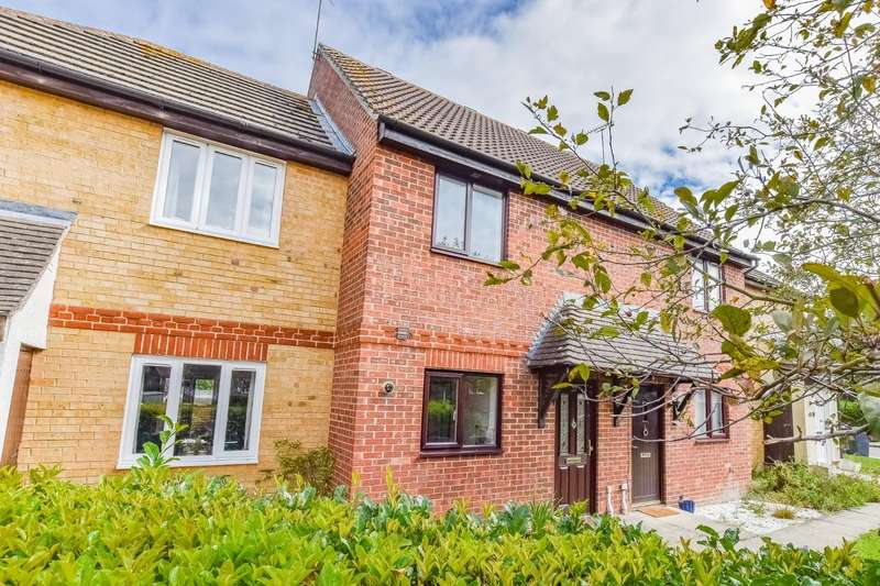 2 Bedrooms Terraced House for sale in Ash Grove, Dunmow