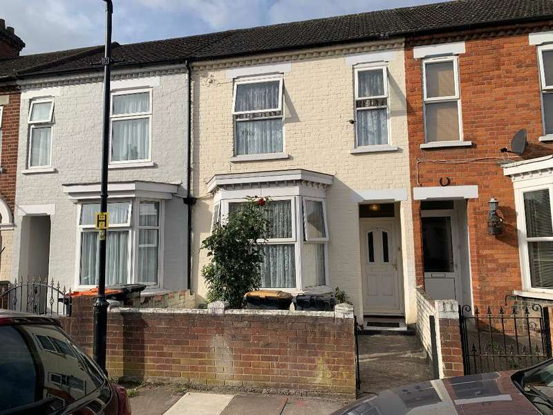 3 Bedrooms Terraced House for sale in St Leonards Avenue, Bedford, MK42 0RB