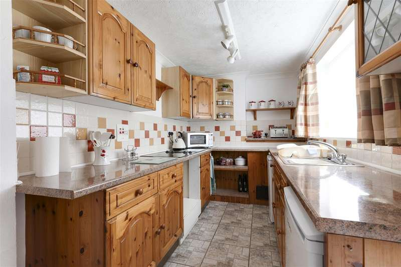 2 Bedrooms End Of Terrace House for sale in Tonge Road, Sittingbourne