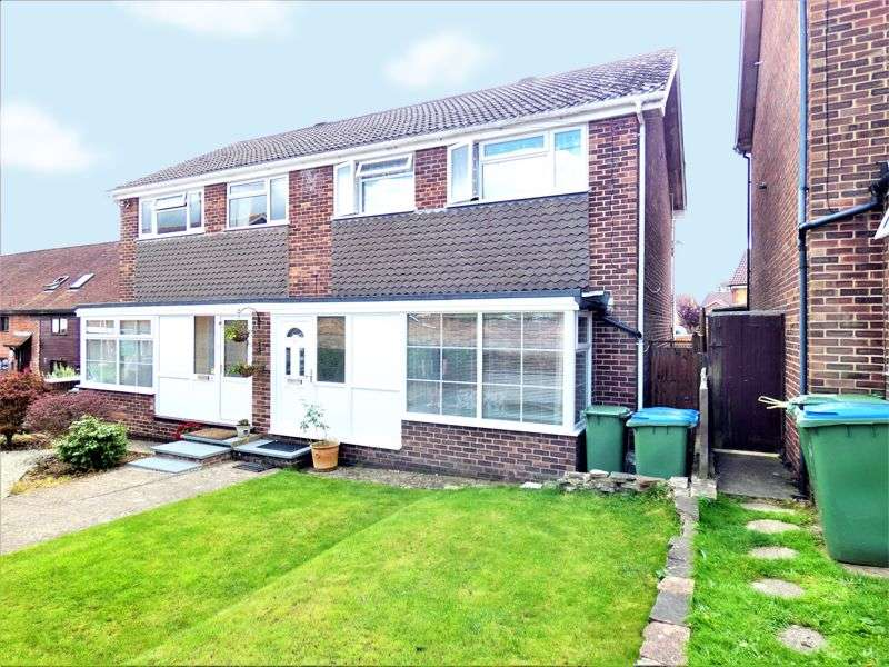 3 Bedrooms Property for sale in Lower Quay Close, Fareham
