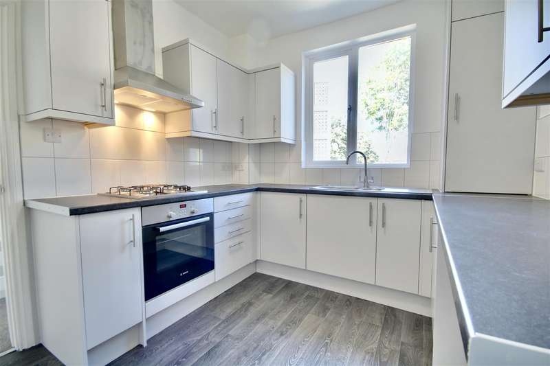 3 Bedrooms End Of Terrace House for sale in Brougham Road, Southsea