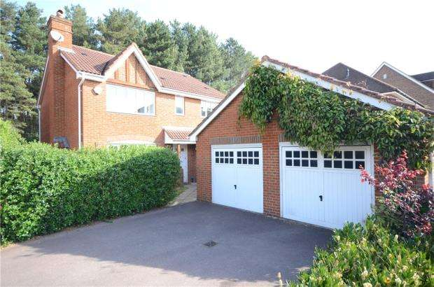 4 Bedrooms Detached House for sale in Ramsdell Road, Elvetham Heath, Hampshire