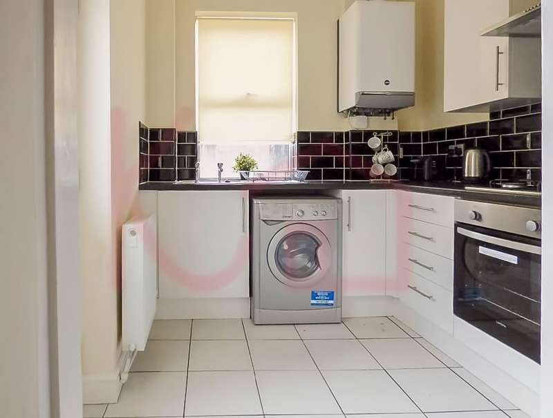 4 Bedrooms Terraced House for rent in Orchard Street, Doncaster, DN4
