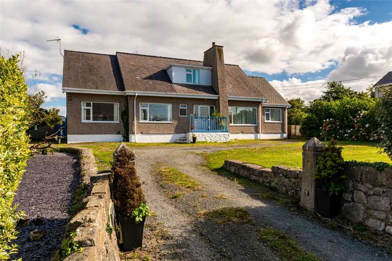 4 Bedrooms Detached House for sale in Moelfre, Sir Ynys Mon, LL72