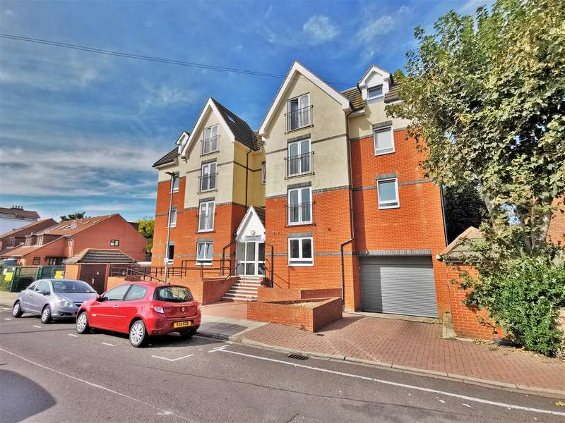 2 Bedrooms Flat for sale in St. Simons Road, Southsea