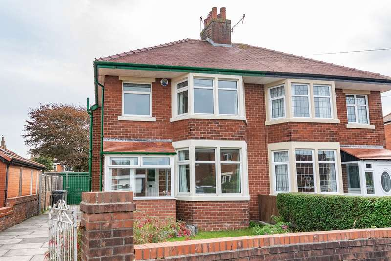 3 Bedrooms Semi Detached House for sale in Fylde Road, Ansdell, FY8
