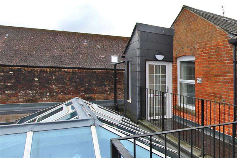 2 Bedrooms Apartment Flat for sale in Wellands Road, Lyndhurst, Hampshire, SO43