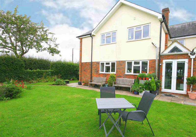 3 Bedrooms Property for sale in Chequers End, Gaddesden Row, Herts.
