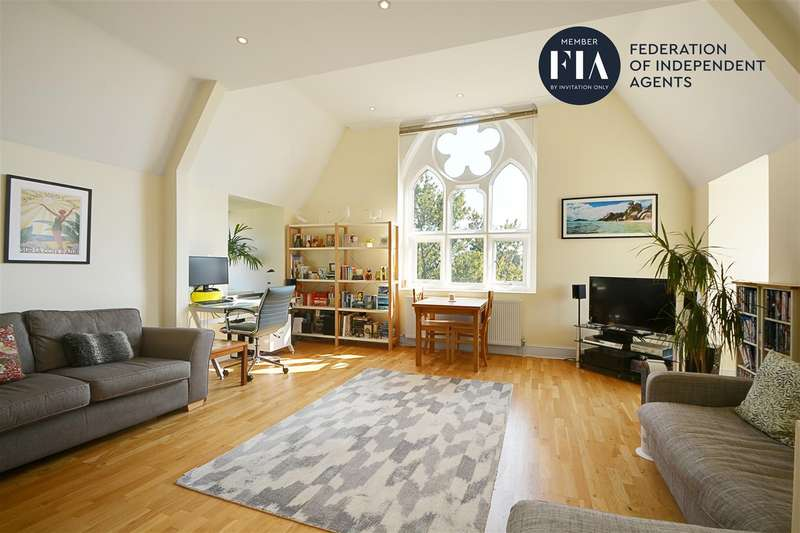 2 Bedrooms Apartment Flat for sale in Lancaster House, Borough Road, Isleworth