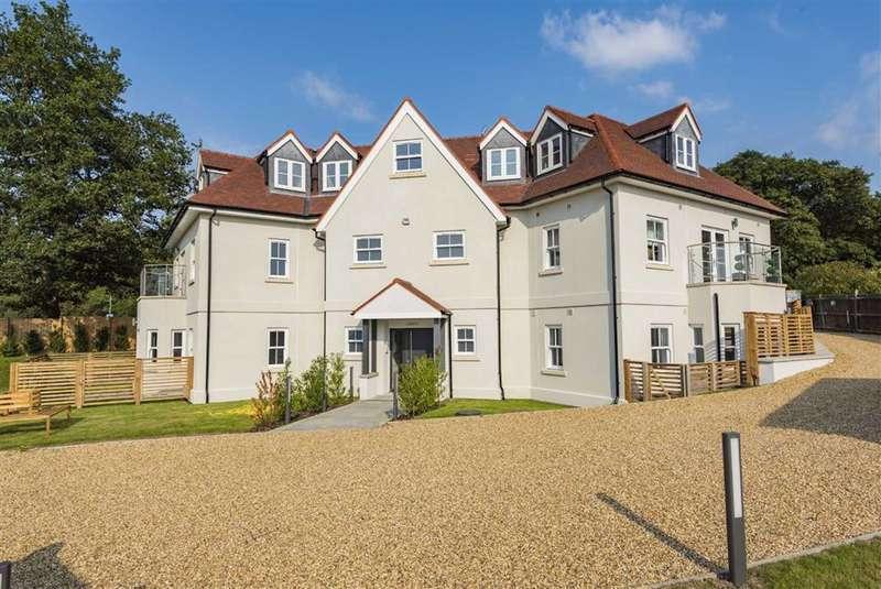 2 Bedrooms Property for sale in Bell Lane, Brookmans Park, Hertfordshire