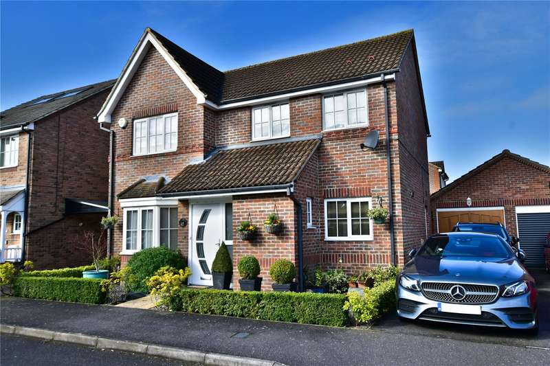 4 Bedrooms Detached House for sale in Dowding Way, Leavesden, Watford, Hertfordshire, WD25