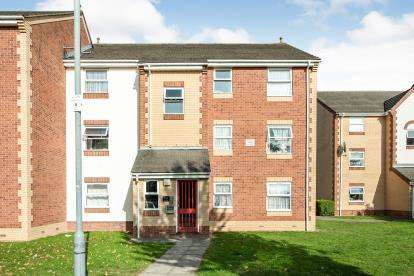 1 Bedroom Flat for sale in Cross Road, Chadwell Heath, Romford