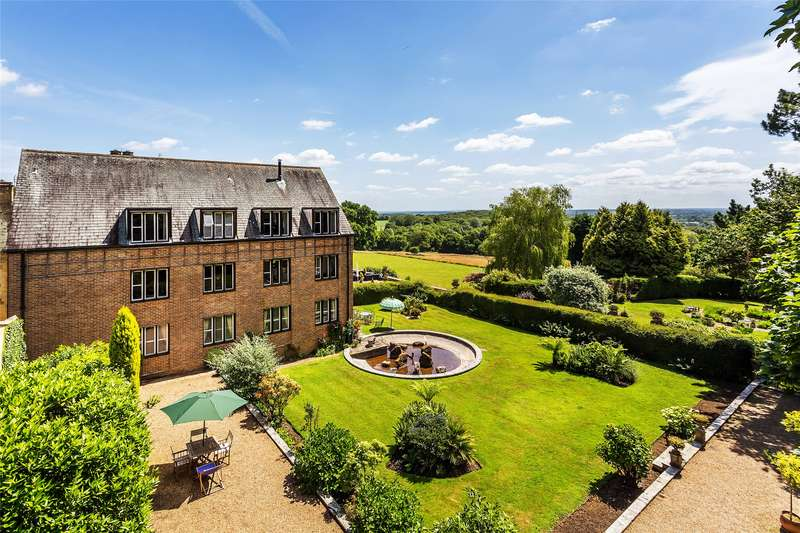 3 Bedrooms Flat for sale in Flat 9 Broome Hall, Coldharbour, Dorking, Surrey, RH5