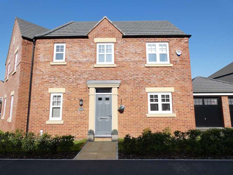 3 Bedrooms Semi Detached House for sale in Main Drive, St Annes
