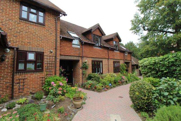 3 Bedrooms Retirement Property for sale in Fleet, Hampshire