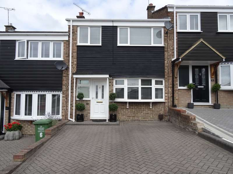 3 Bedrooms Terraced House for sale in Stansted Close, Billericay, Essex, CM11