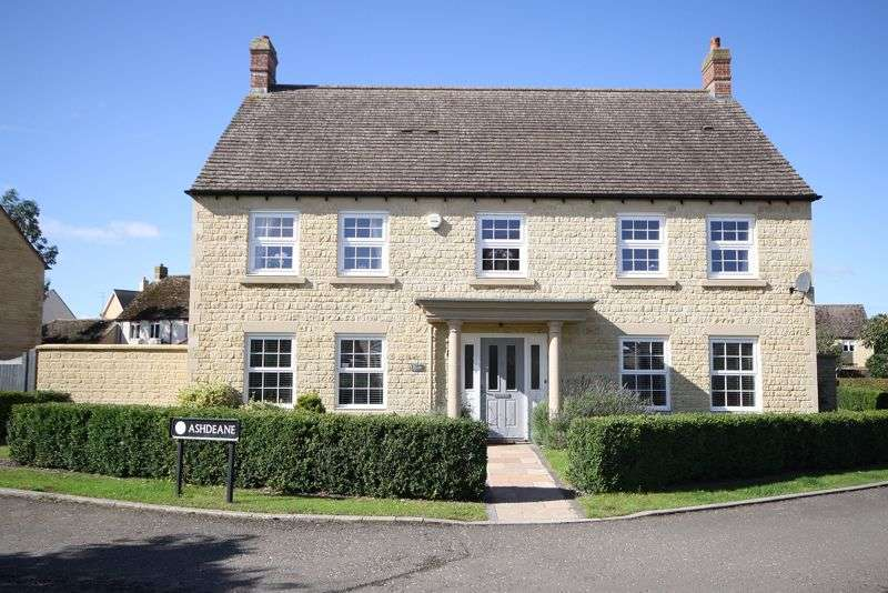 5 Bedrooms Property for sale in Tansy Way, Carterton